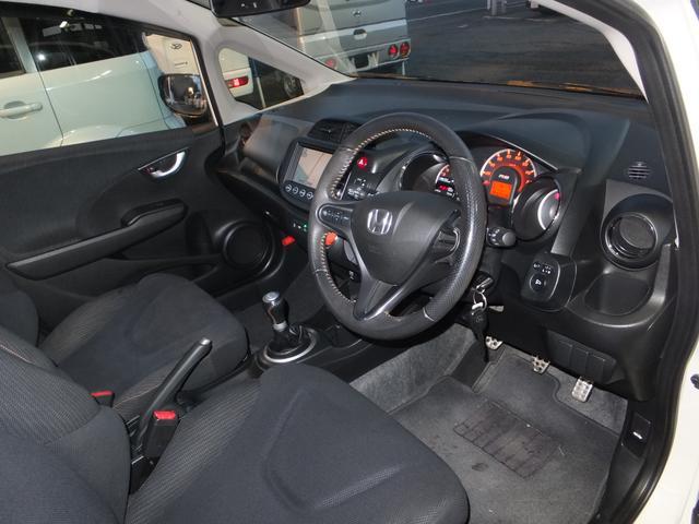 ホンダ フィット RS・10thアニバーサリー 6速MT HDDインターナビ