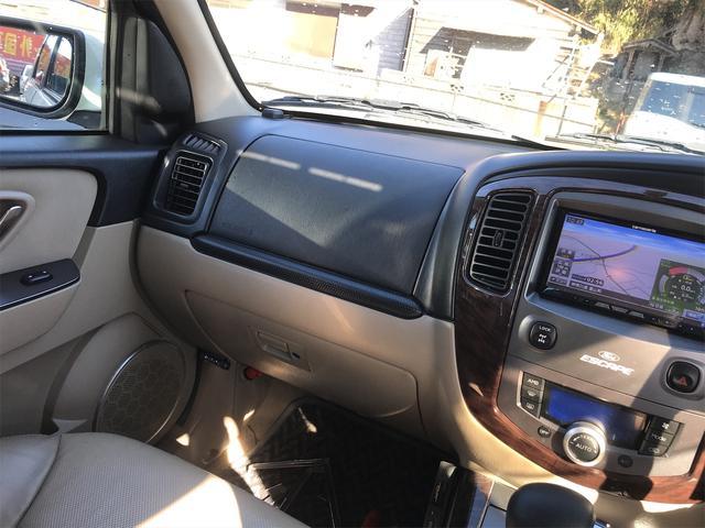 リミテッド 4WD ナビ サンルーフ バックカメラ 革シート AW オーディオ付 DVD 後席モニタ ETC 5名乗り AT AC(6枚目)