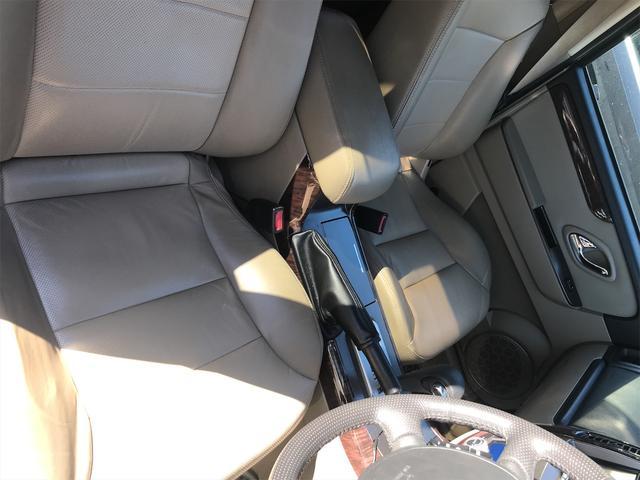 リミテッド 4WD ナビ サンルーフ バックカメラ 革シート AW オーディオ付 DVD 後席モニタ ETC 5名乗り AT AC(28枚目)