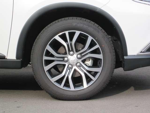 三菱 アウトランダー 2.4 24G セイフティパッケージ 4WD LDW FCM