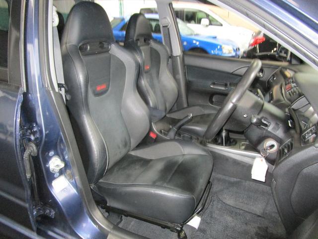 20エボワゴン GT 4WD 6MT 禁煙車 ナビ I/C(7枚目)
