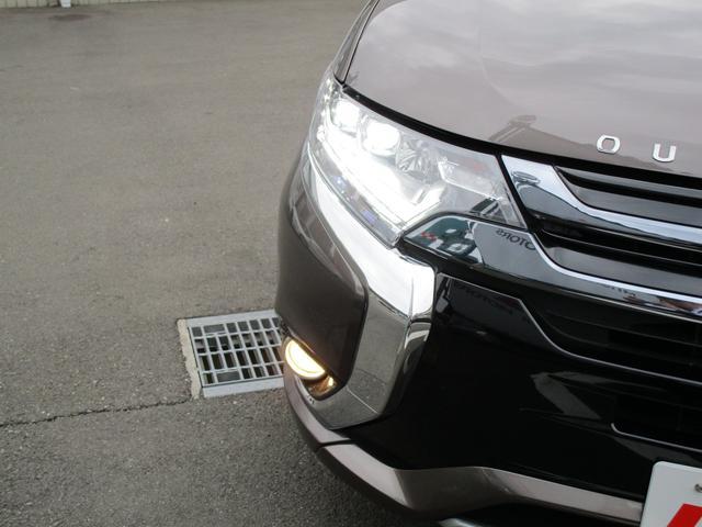 Gナビパッケージ 2.0Gナビパッケージ4WD 純正SDナビ 連動ETC 全方位カメラ 衝突被害軽減ブレーキ レーン逸脱警報 レーダークルーズコントロール サイドバイザー LEDヘッドランプ 電池残存92% AC電源無(41枚目)