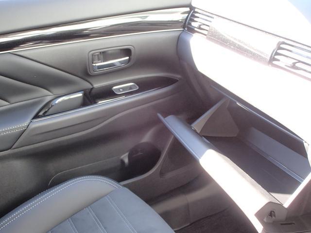 G 運転席・助手席電動シート 禁煙 後側方車両検知 AC100V電源 衝突被害軽減ブレーキ レーダークルーズコントロール 前後誤発進抑制 クラリオンナビ 全方位カメラ シートヒータ 電動パーキングブレーキ(55枚目)