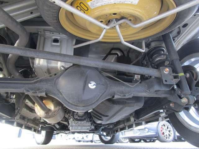 G 禁煙 低車速衝突被害軽減ブレーキ 前方誤発進抑制機能 クラリオンCDチューナー Bluetooth 左側電動スライドドア 電動格納ドアミラー リヤゲートスポイラー HIDヘッドランプ ドアバイザー(18枚目)