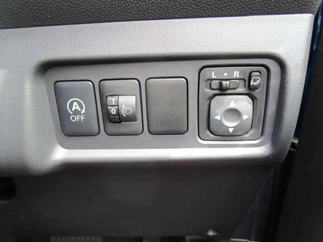 G 禁煙 7型ワイドナビ ワンセグTV CDチューナー バックカメラ アイドリングストップ ETC オートエアコン 電動格納ミラー リヤゲートスポイラー エンジンプッシュ ドアバイザー ワンオーナー(17枚目)