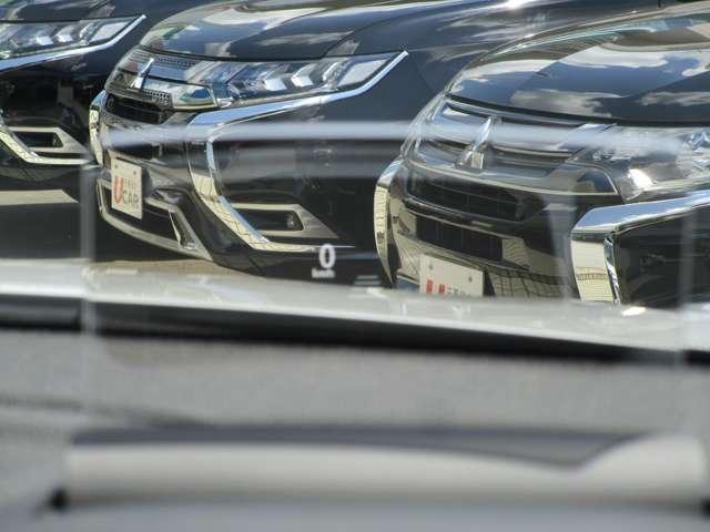 G 2400cc プラグインハイブリッド パノラマサンルーフ 電気温水式ヒーター 車両検知警報システム(後側方&後退時) メモリーナビ フルセグ ナビ連動ドライブレコーダー (バックカメラ&ETC非装着) 社有車UP 禁煙車 オンライン相談可(16枚目)