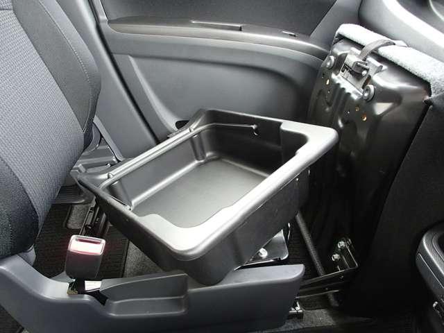 S 1200cc ガソリン車 インパネCVT 禁煙 オーディオレス ETC車載器 両側電動スライドドア 衝突被害軽減ブレーキ クルーズコントロール 純正アルミホイール メッキグリル シートバックテーブル ワンオーナー オンライン相談可能(47枚目)