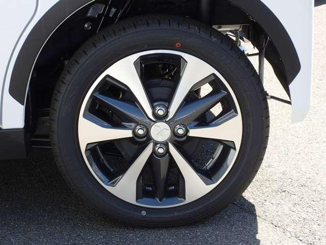 T  4WD ターボ車 インパネCVT パドルシフト付き 先進安全・快適・後席-Cパッケージ 届出済未使用車 両側電動スライドドア シートヒーター 純正15インチアルミ 衝突被害軽減ブレーキ 踏み間違え防止アシスト コーナーセンサー(前後)オンライン相談可能(18枚目)