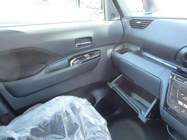 T  4WD ターボ車 インパネCVT パドルシフト付き 先進安全・快適・後席-Cパッケージ 届出済未使用車 両側電動スライドドア シートヒーター 純正15インチアルミ 衝突被害軽減ブレーキ 踏み間違え防止アシスト コーナーセンサー(前後)オンライン相談可能(44枚目)