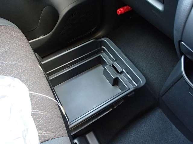 T  4WD ターボ車 インパネCVT パドルシフト付き 先進安全・快適・後席-Cパッケージ 届出済未使用車 両側電動スライドドア シートヒーター 純正15インチアルミ 衝突被害軽減ブレーキ 踏み間違え防止アシスト コーナーセンサー(前後)オンライン相談可能(46枚目)