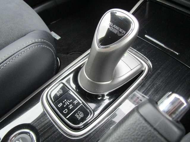 2.0 G ナビパッケージ 4WD(10枚目)