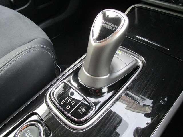 2.0 G ナビパッケージ 4WD AC1500W電源(10枚目)