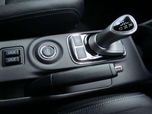 2.0 G ナビパッケージ4WD 本革シート シートヒーター(10枚目)