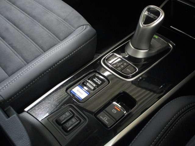 2.4Gプラスパッケージ4WD 禁煙車 1500W電源 ナビ(14枚目)