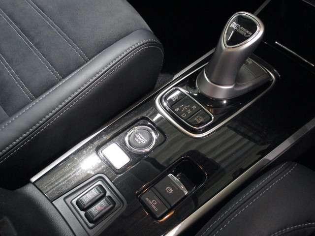 2.0Gナビパッケージ4WD 禁煙車 衝突軽減 誤発進抑制(14枚目)