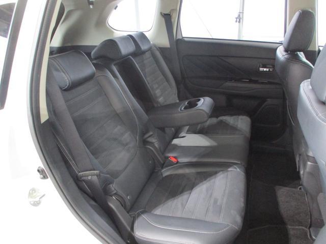 「三菱」「アウトランダーPHEV」「SUV・クロカン」「東京都」の中古車39