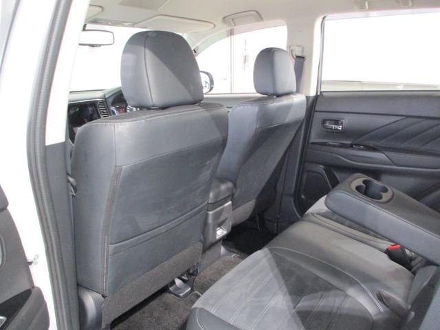 「三菱」「アウトランダーPHEV」「SUV・クロカン」「東京都」の中古車43