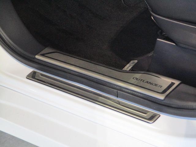 2.0L Gナビパッケージ スポーツスタイル 禁煙 AC電源 急速充電 純正メモリーナビ 衝突被害軽減ブレーキ 車線逸脱警報システム レーダークルーズコントロール 横滑り防止機能 サイド・バックカメラ オートライト 電動テールゲート ETC 残存容量92.5%(65枚目)