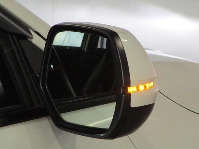 1.5L ハイブリッドZ・ホンダセンシング 禁煙 衝突軽減 誤発進抑制 車線逸脱警報システム レーダークルーズコントロール 純正7インチメモリーナビ バックカメラ ETC 電動パーキング オートホールド シートヒーター LEDライト 横滑り防止 オートライト(36枚目)