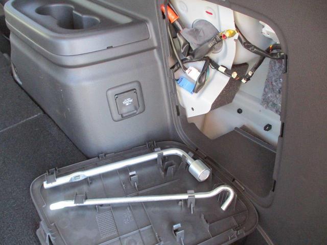 2.0L Gナビパッケージ 4WD 5人乗り AC1500W 禁煙 電気温水式ヒーター 誤発進抑制機能 パーキングセンサー 純正7インチSDナビ 衝突被害軽減ブレーキ 車線逸脱警報システム 電動テールゲート 全周囲カメラ 残存容量82.5%(55枚目)