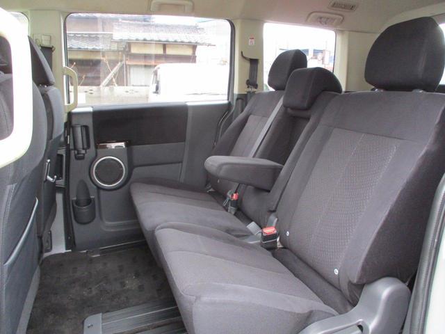 2.2L シャモニー 4WD ディーゼル 8人乗り 8ナビ カロッツェリア10.2インチ後席モニター クルーズコントロール ハーフウッドステアリング パワーシート シートヒーター オートライト 両側電動スライド バックカメラ ETC リヤクーラー 喫煙車(44枚目)