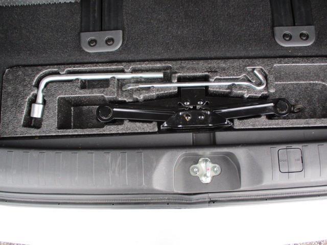 2.2L シャモニー 4WD ディーゼル 8人乗り 8ナビ カロッツェリア10.2インチ後席モニター クルーズコントロール ハーフウッドステアリング パワーシート シートヒーター オートライト 両側電動スライド バックカメラ ETC リヤクーラー 喫煙車(51枚目)