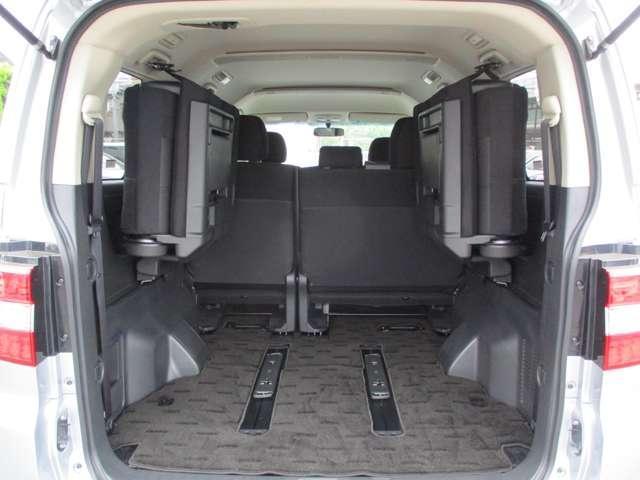 2.2L ローデスト Dパワーパッケージ ディーゼルターボ 4WD 8人乗り ブラック内装 ナビパイオニア7インチナビ バックカメラ ETC 両側電動スライドドア スマートキー HIDオートライト 車検整備付き 三菱認定U-CAR(12枚目)