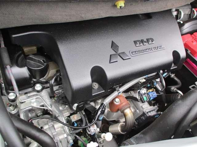 2.2L ローデスト Dパワーパッケージ ディーゼルターボ 4WD 8人乗り ブラック内装 ナビパイオニア7インチナビ バックカメラ ETC 両側電動スライドドア スマートキー HIDオートライト 車検整備付き 三菱認定U-CAR(15枚目)
