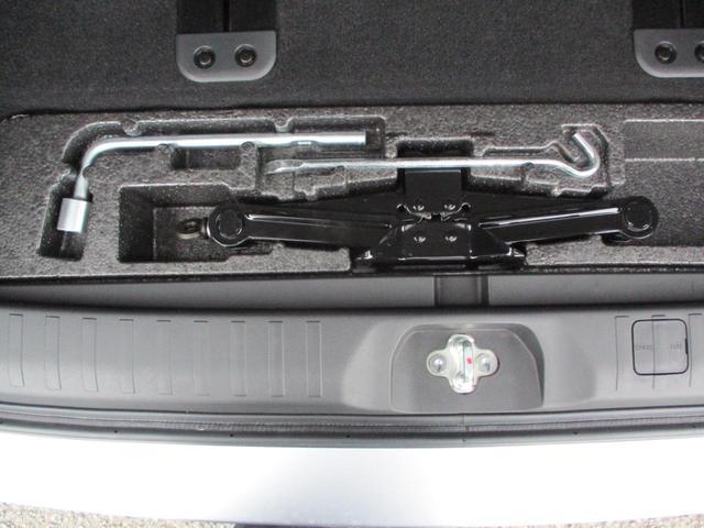 2.2L ローデスト Dパワーパッケージ ディーゼルターボ 4WD 8人乗り ブラック内装 ナビパイオニア7インチナビ バックカメラ ETC 両側電動スライドドア スマートキー HIDオートライト 車検整備付き 三菱認定U-CAR(51枚目)