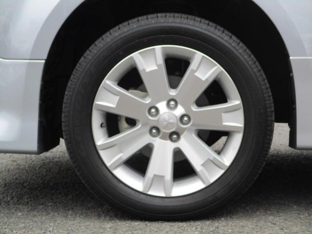 2.2L ローデスト Dパワーパッケージ ディーゼルターボ 4WD 8人乗り ブラック内装 ナビパイオニア7インチナビ バックカメラ ETC 両側電動スライドドア スマートキー HIDオートライト 車検整備付き 三菱認定U-CAR(69枚目)