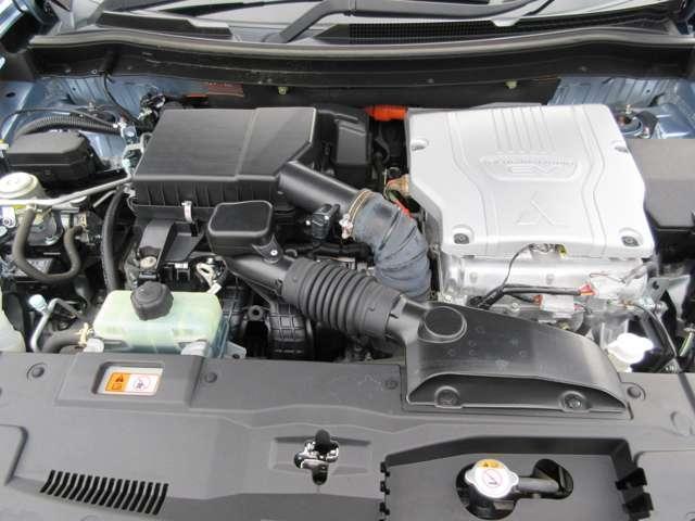 2.0L Gナビパッケージ 4WD 5人乗り 急速充電 禁煙 衝突被害軽減ブレーキ 車線逸脱警報システム レーダークルーズコントロール 純正7インチSDナビ サイド/バックカメラ 電動テールゲート ETC オートライト HID フォグランプ 残存容量76%(18枚目)