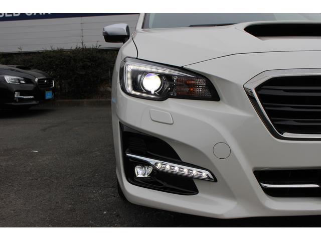 LEDライトでナイトドライブでも視界良好です♪フォグランプもLEDタイプです!人気アイテムのLEDアクセサリーライナーも装備☆