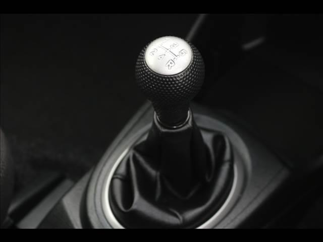 RS 5速マニュアル/メモリーナビ/ETC/ワンオーナー禁煙車(8枚目)