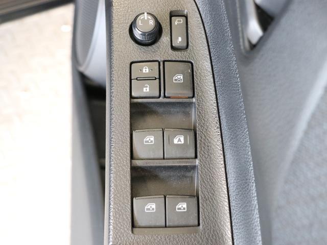 X キーレスキー ETC付 イモビライザー CD AC ワンセグ メモリーナビ 横滑り防止装置 記録簿 ABS パワステ ナビ&TV 左オートスライド 3列 Aストップ Sキー ウォークスルー(13枚目)