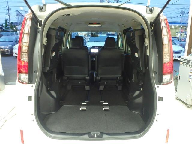 トヨタ エスクァイア ハイブリッドGi 9型SDナビ 後席モニター LED 地デジ