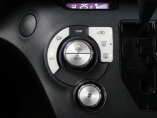 ハイブリッドX バックカメラ付 キーレスエントリー 記録簿 衝突軽減S オートエアコン ワンセグ ETC ナビTV 3列シート ABS CD メモリナビ 左オートスライド エアバック デュアルエアバッグ(10枚目)
