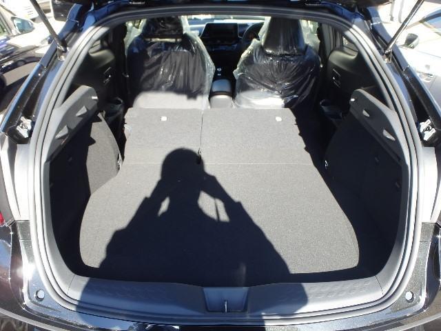 トヨタ C-HR G-T 登録済み未使用車・衝突回避装置・スマートキー