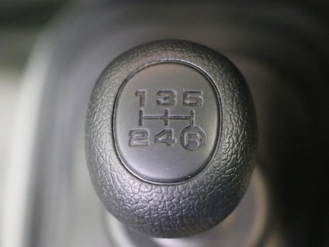 5速フロアMT車