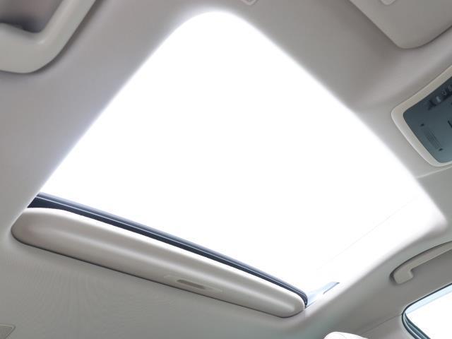 G-エグゼクティブ 黒革シート ムーンルーフ バックカメラ メモリーナビ ETC フルセグ LED ドライブレコーダー 衝突被害軽減ブレーキ アルミ スマートキー ナビテレビ パワーシート DVD(18枚目)