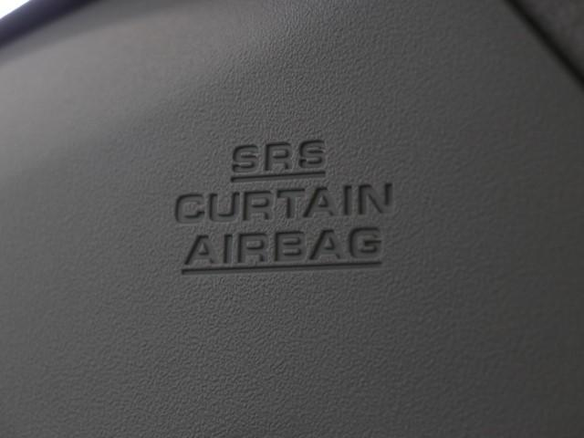 カーテンシールドエアバッグは、万一に備えた安全装備。 ガラス、ピラーなど側面から頭部への力を吸収してくれます。 安全は車で重視したいポイントですね。 シートベルトとあわせて側面をカバーします。
