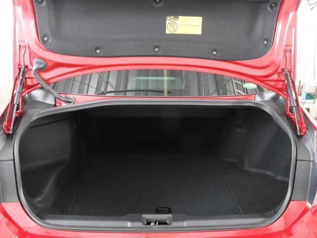 G-エグゼクティブ Four フルセグ 本革シート 4WD ETC LED バックモニター メモリーナビ ワンオーナー(16枚目)