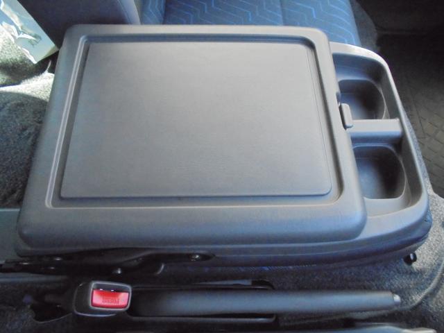 日産 キャラバン 5ドアバン2.0DXロングEXパック HDDナビ