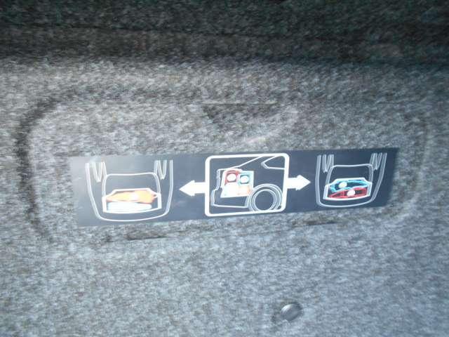 ベースグレード 黒本革シート BOSEサウンド 純正HDDナビ 地デジ キセノンヘッドライト サイド&カーテンエアバッグ プラスチックバイザー エアコンシート キセノンヘッドライト(17枚目)