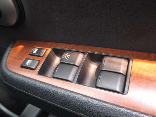 18G 1.8L CD・ラジオチューナー キーレスリモコンキー 6速マニュアル オートエアコン プラスチックドアバイザー 電動格納ドアミラー(10枚目)