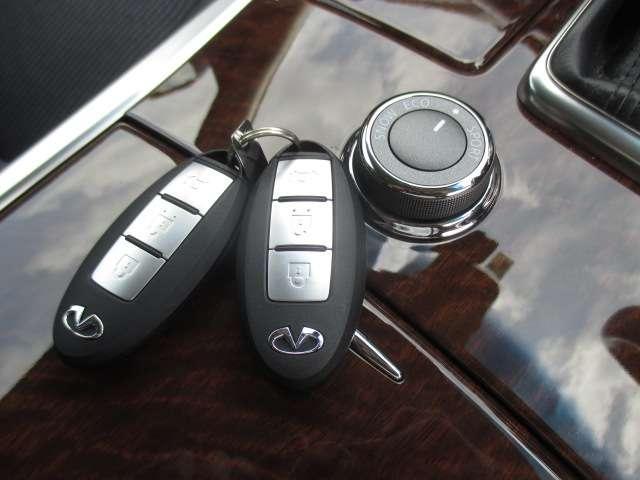 3.7 370GT タイプS 純正HDDナビ フルセグ Bluetooth アラウンドビューモニター 20インチ純正アルミホイール パドルシフト LEDヘッドライト エマージェンシーブレーキインテリジェントキー ETC 1オーナー(11枚目)