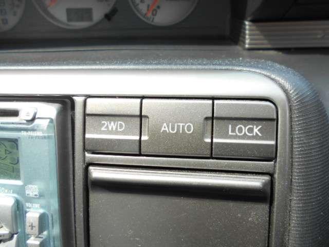 2.0 Xtt 4WD 切替4WD CD アルミホイール エアコン キセノンヘッドライト リモコンドアロック(9枚目)