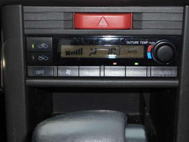 2.0 Xtt 4WD 切替4WD CD アルミホイール エアコン キセノンヘッドライト リモコンドアロック(11枚目)