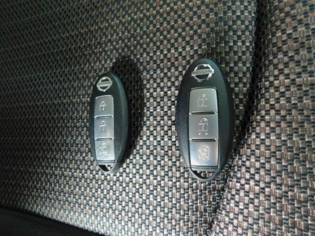 インテリジェントキーです。ボタン1つでドア開閉出来ます。