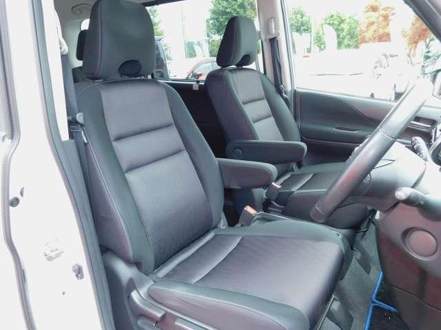 フロントシート画像です。全国どこでも納車可能です。お気軽にご連絡ください。TEL03-3899-1405