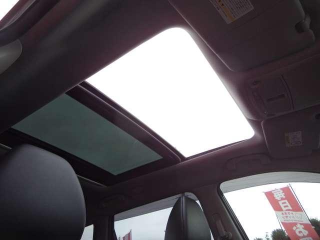 20XtブラックエクストリーマXエマジェンシブレキP 2.0 20Xt ブラック エクストリーマーX エマージェンシーブレーキパッケージ 2列車 4WD パノラミックガラスルーフ(4枚目)